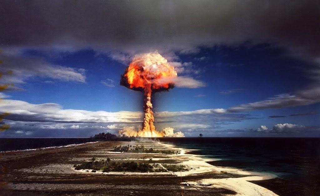 القنابل النووية