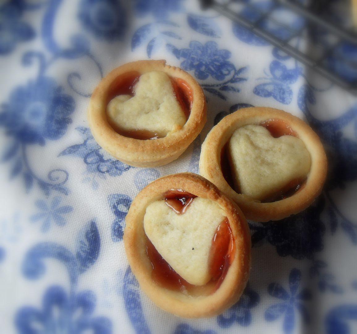 The English Kitchen: Valentine Berry Cutie Pies