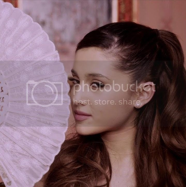 Video Premiere: Ariana Grande visualises 'Romeo & Juliet' in 'Right There'...