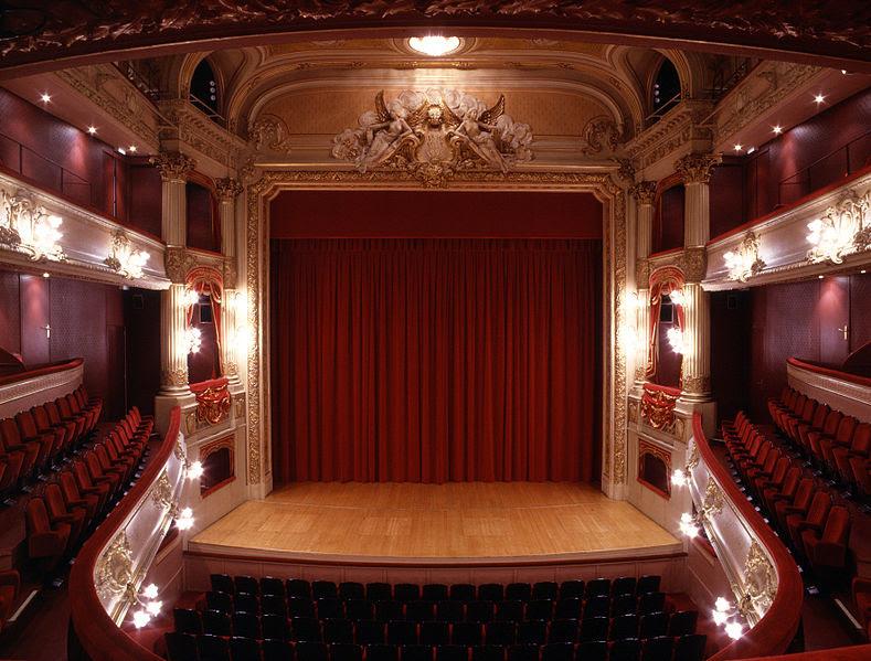 http://theatrenormandie.normandie.xyz/emprunter-du-materiel/