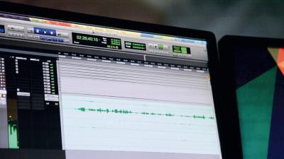 數位化音效難以表現的聲音效果,得靠Foley後製補足。