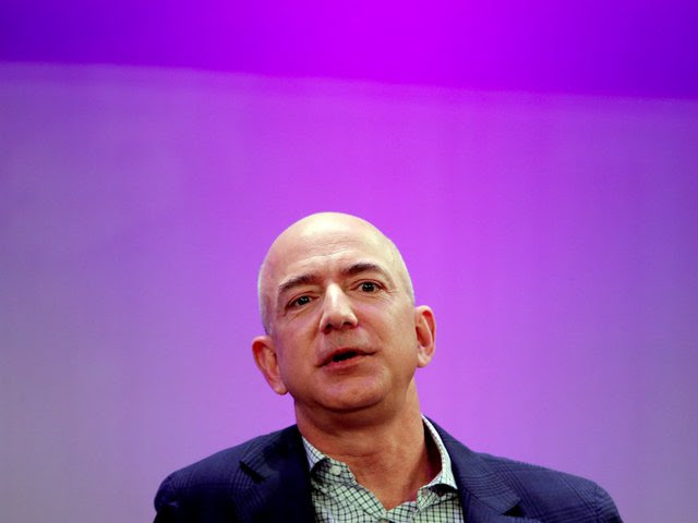 Bezos luôn đảm bảo nghỉ ngơi hợp lý - ông ngủ đủ 8 tiếng mỗi tối.
