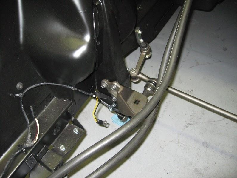 1965 k mustang convertible restoration 10 4 09 for Ford motor credit franklin tn