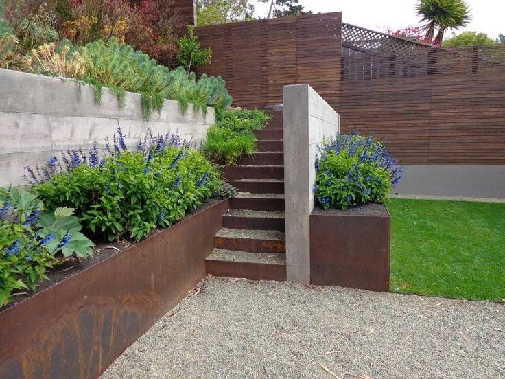 Englishgardeners corten steel raised beds wyatt studio for Xd garden design