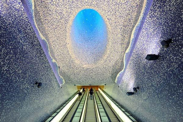 perierga.gr - Φανταστικός σταθμός μετρό στη Νάπολη!