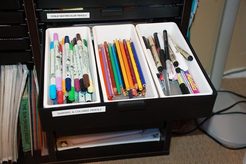 {3} Dwr 13: Pens & Markers