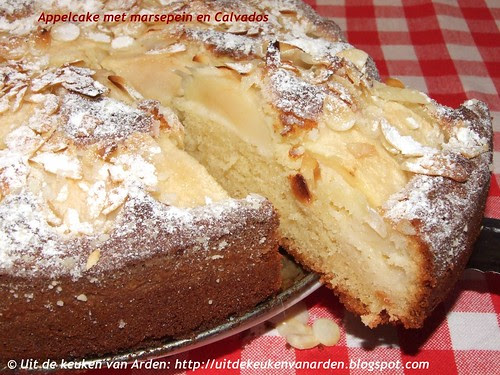 Appelcake met marsepein en Calvados