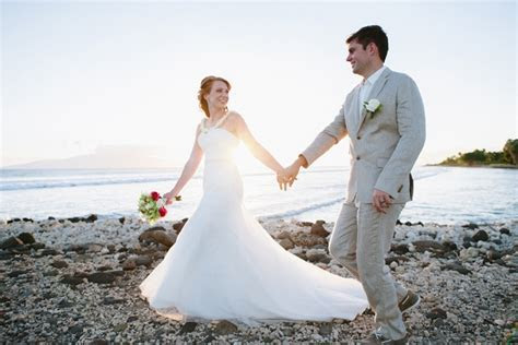 Bre and Doug's Intimate Beach Wedding in Maui   Intimate