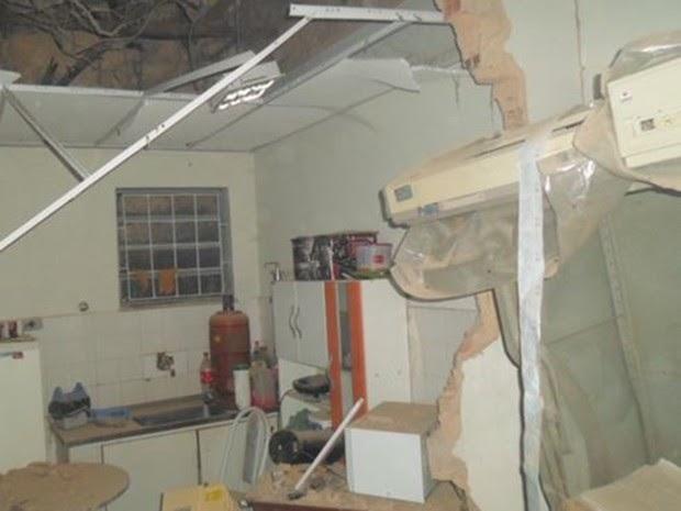 Bandidos explodem agência bancária, em Timbiras