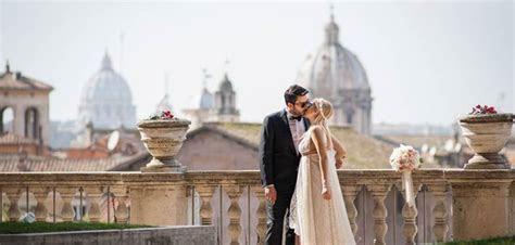 Civil wedding ceremony at Capidoglio Palace in Rome