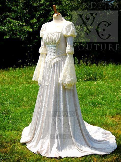 Alternative wedding dresses   weddingcafeny.com