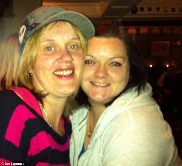 تلفات: راشل کلیتون، سمت چپ، و اما سرعت، درست است، پس از مصرف مواد مخدر خطرناک حزب درگذشت