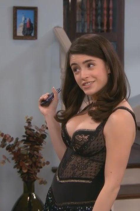 Daniela Bobadilla Sexy Pics (@Tumblr) | Top 12 Hottest