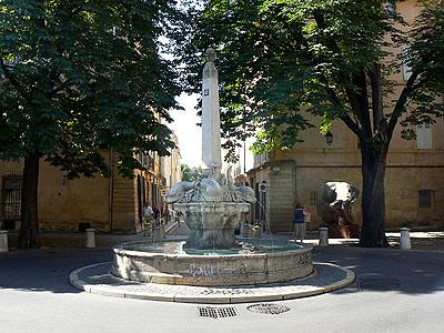 jolie fontaine.jpg