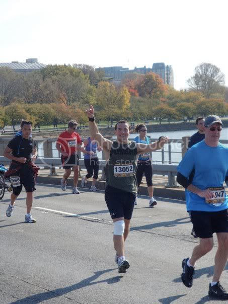 Runners on the bridge, Runners on the Tidal Basin Bridge