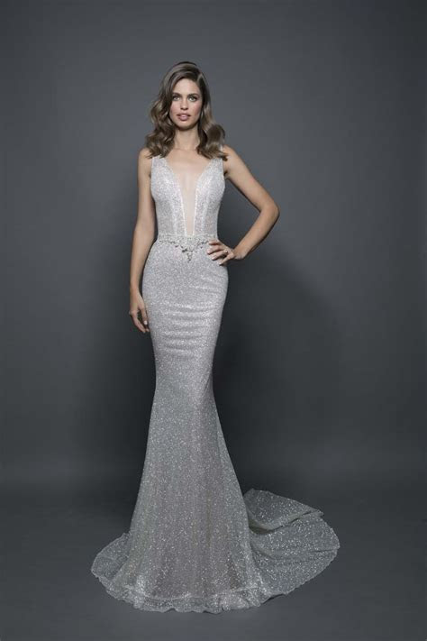 Pnina Tornai Shares Her Top Bridal Gown Shopping Tips