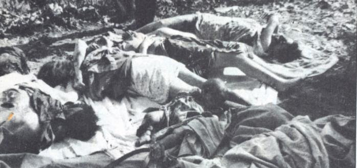 http://www.histoire-en-questions.fr/guerre%20algerie/massacres%20en%20algerie/philippeville.jpg