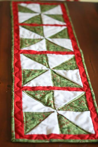 Pinwheel Christmas Runner