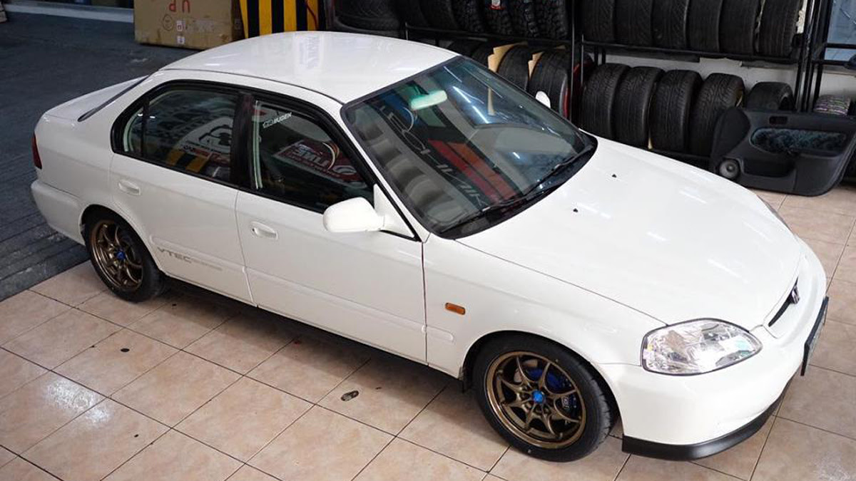 This 2000 Honda Civic Sir Is Being Sold Online For P245 Million