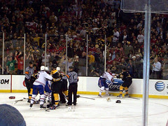 Bruins_Fight_40910