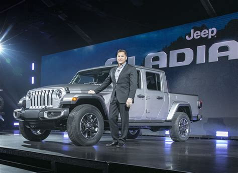 jeep gladiator  door  car reviews review