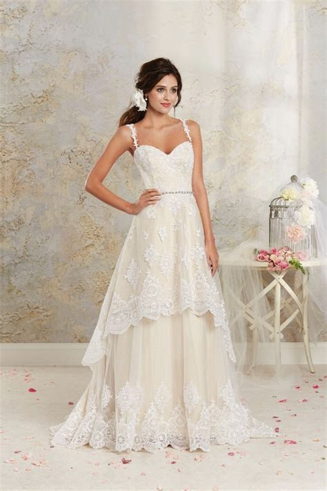 Alfred Angelo Modern Vintage Wedding Dresses   Style 8535