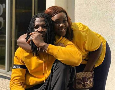 dr louisa reacts   song  stonebwoys anloga