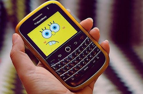youremyfirework:    Adimita: Você já fingiu está mexendo no celular, só para ignorar alguém.