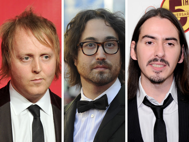 James McCartney, Sean Lennon e Dhani Harrison, filhos dos integrantes dos Beatles Paul, John e George, respectivamente (Foto: Kevin Winter/Facundo Arrizabalaga/Ethan Miller/AFP)