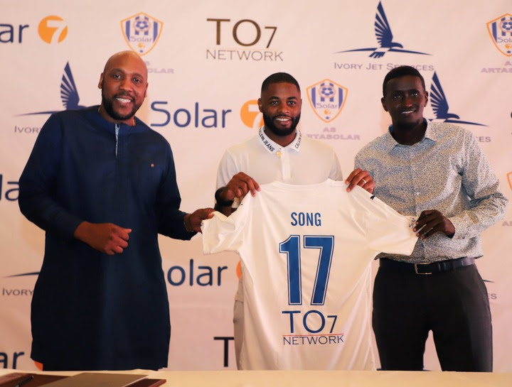 Former Arsenal and Barcelona midfielder, Alex Song makes shock move to Djibouti club Arta Solar 7 after being sacked by FC Sion (photos)