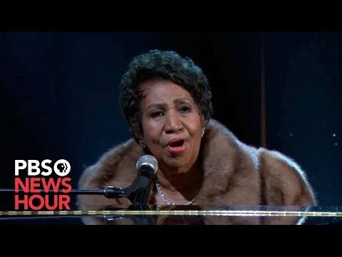 Watch Aretha Franklin Make President Obama Emotional