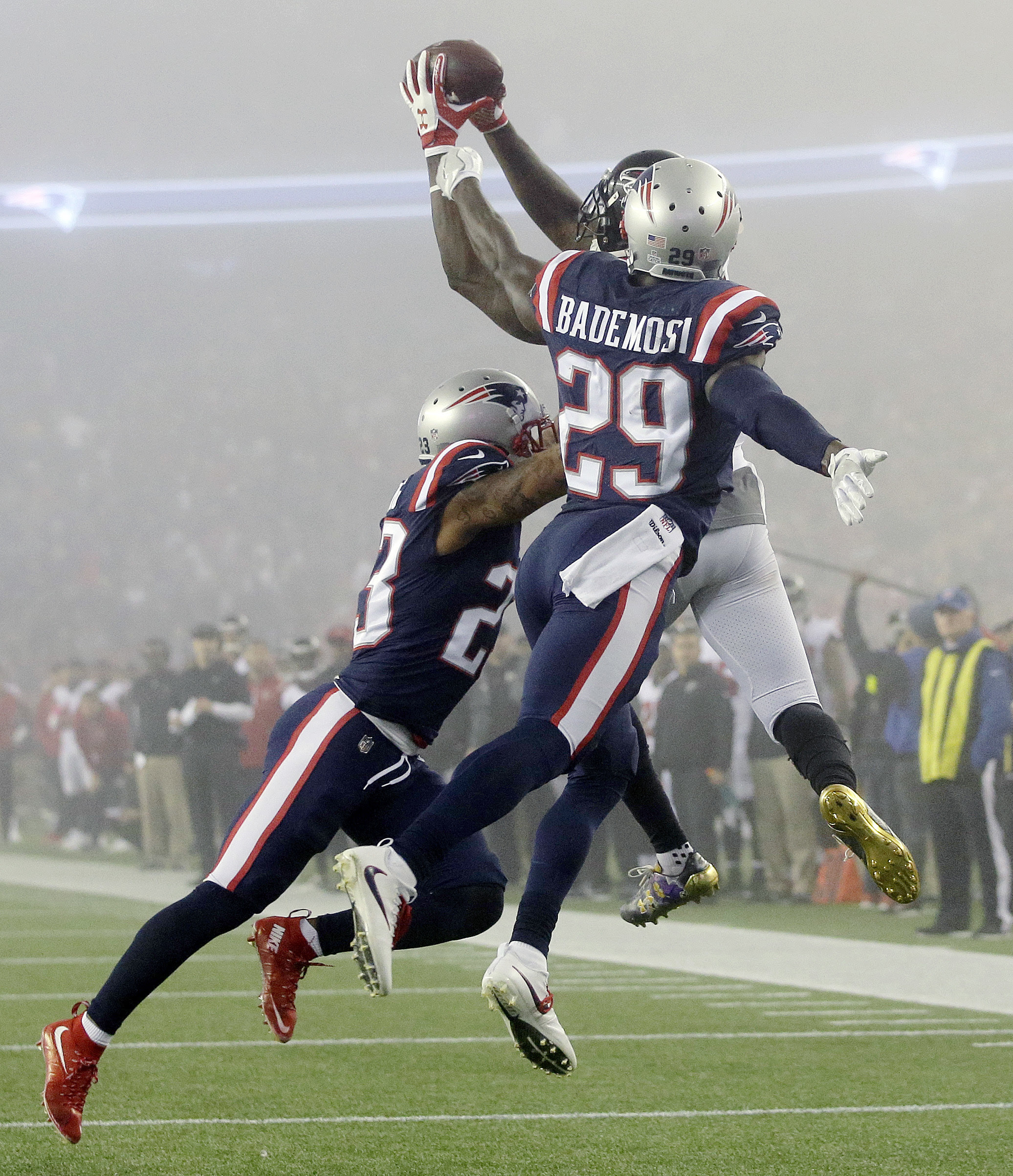 NFL: Patriots leave Falcons in fog  Lewiston Sun Journal