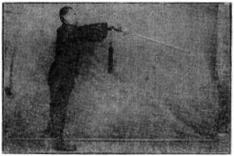 《昆吾劍譜》 李凌霄 (1935) - posture 54