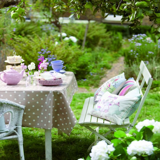 Summer tableware from Dunelm Mill | Garden party decorating ideas ...