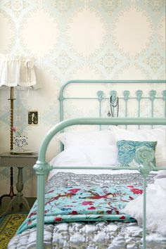 vintage-inspired bed frame <3