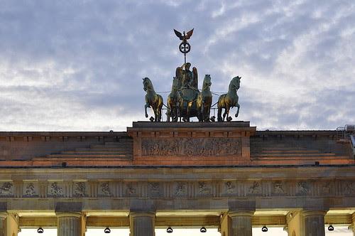 Dominosteine am Brandenburger Tor (47)