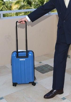 Así de diminuto será el nuevo equipaje de mano permitido en un avión