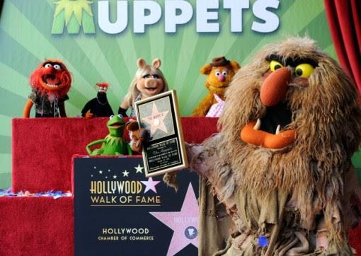 The Muppets, che sono stati premiati con 2.466 ° stella sulla Hollywood Walk of Fame di fronte al El Capitan Theatre il 20 marzo 2012 a Hollywood, California.  (Photo by Frazer Harrison / Getty Images)