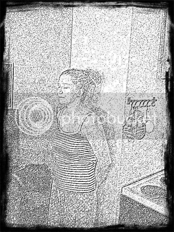 Snapbucket,Filter: Outline,Original,Frame: Grunge Black