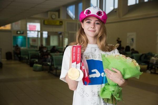 ВСургуте торжественно встретили паралимпийскую чемпионку Анастасию Гонтарь: Яндекс.Спорт