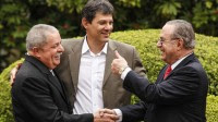 Apóstolo Valdemiro Santiago deve apoiar criador do kit-gay, Fernando Haddad, para prefeito de São Paulo, diz jornal