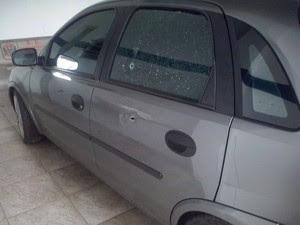 Tiros atingiram bataria e vidro do carro. (Foto: Arquivo Pessoal / Edevaldo de Oliveira)