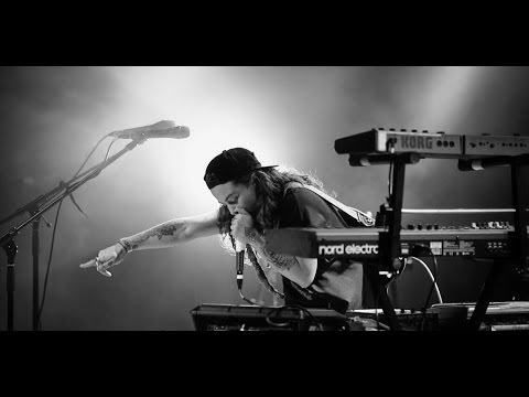 INTRODUCING TASH SULTANA - BACKSTAGE PASS ONE TO WATCH