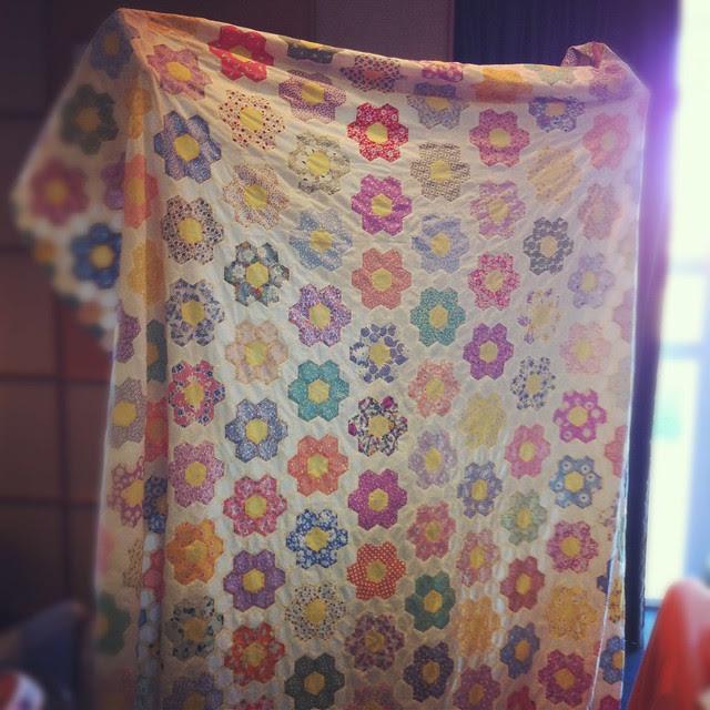 Lissa's flower garden quilt
