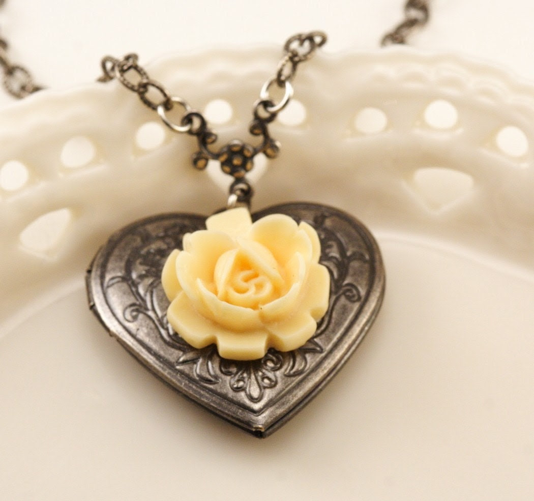 Free Shipping - Silver Heart Locket With Vintage Style Ivory Rose