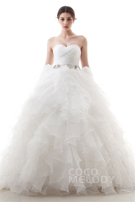 Cocomelody: Ball Gown Sweetheart Train Organza Wedding