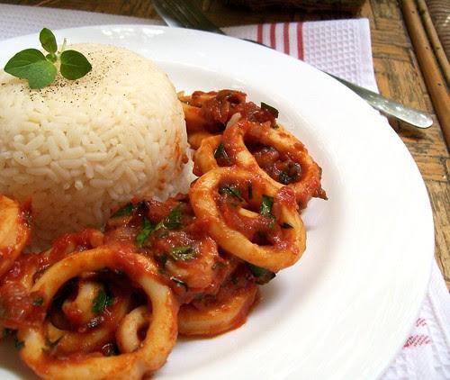 Aštrūs kalmarai su ryžiais