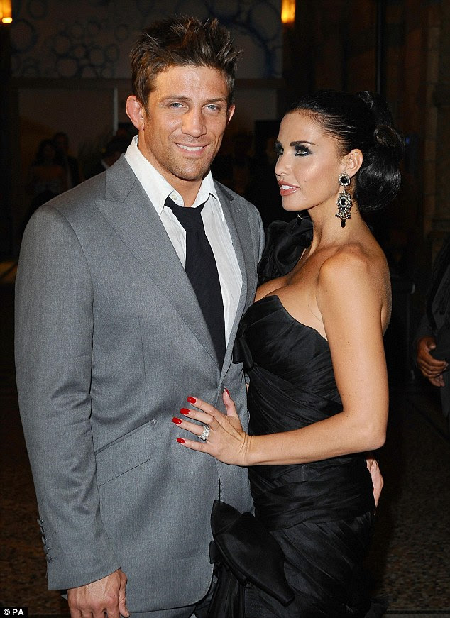 Number two:She then wed second husband cage fighter Alex Reid in Las Vegas in 2010 before formerly marrying in a UK church