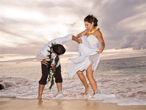 WHAT IS THE BEST TIME TO GET MARRIED IN HAWAII?   Hawaii
