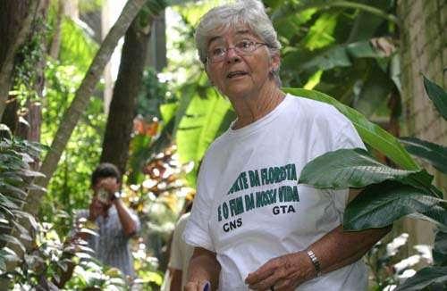 De acordo com o Ministério Público, Dorothy Stang foi assassinada porque defendia a implantação de assentamentos para trabalhadores rurais em terras públicas  (Carlos Sila/Divulgação)